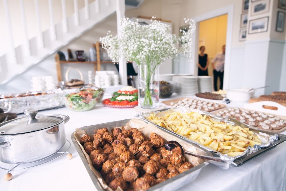 Lasten menu lihapullat ja ranskalaiset